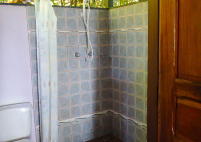 Bathroom_tucanterra_downstairs